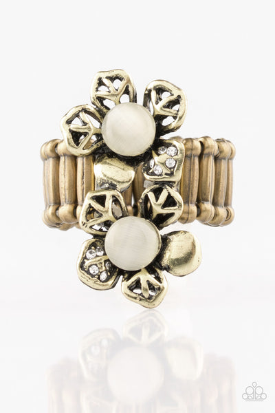 Paparazzi Magnolia Mansions Moonstone Ring - Brass