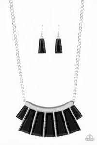 Paparazzi Glamour Goddess Necklace - Black