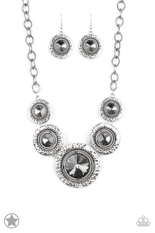Paparazzi Global Glamour Necklace - Silver