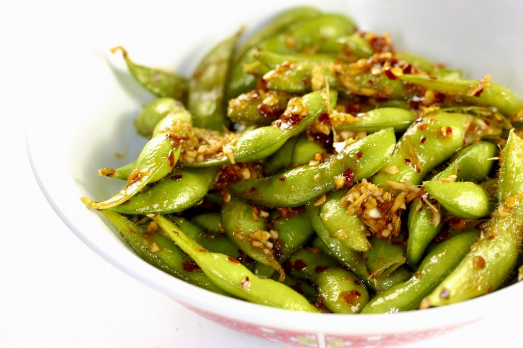 Low fat snacks: Spicy edamame