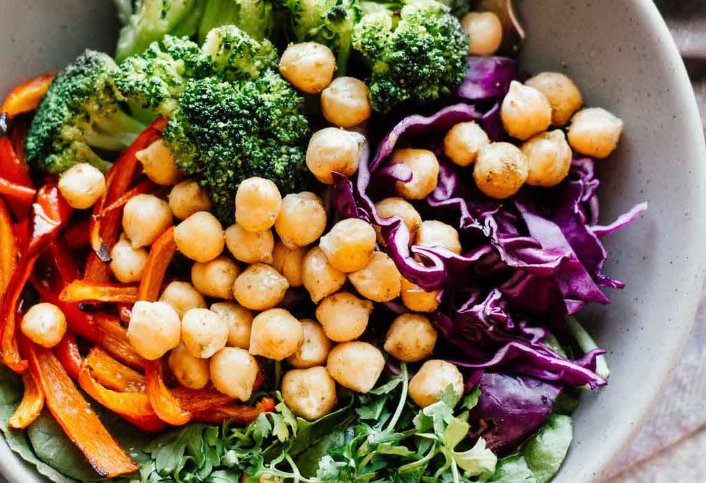 High-Protein Lunch: Chickpea bowl