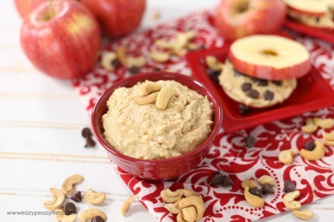 Low fat snacks: Chocolate chip cookie apple sandwich