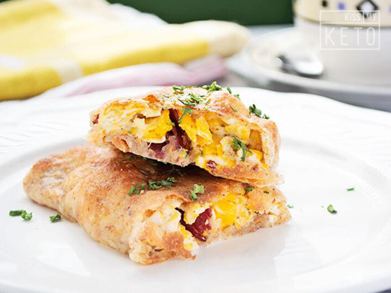 High-Protein Low-Carb Breakfast Keto Hot Pockets