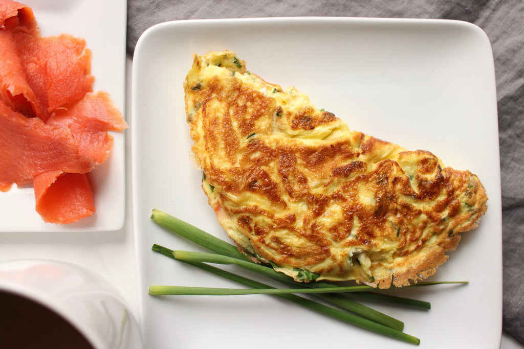 Quick low carb breakfast - salmon omelet