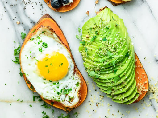 Low-sugar breakfast: sweet potato toast