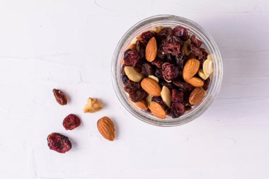 Low carb snacks on the go: Trail mix