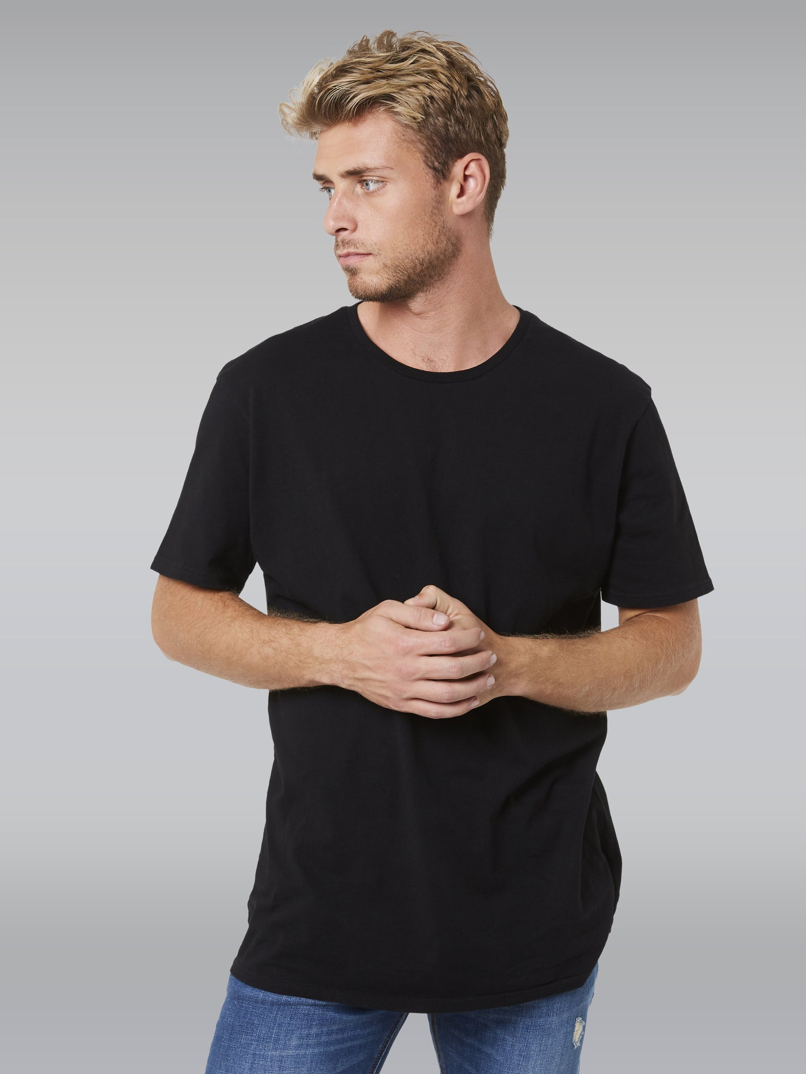FOUNDATION S/S IN BLACK