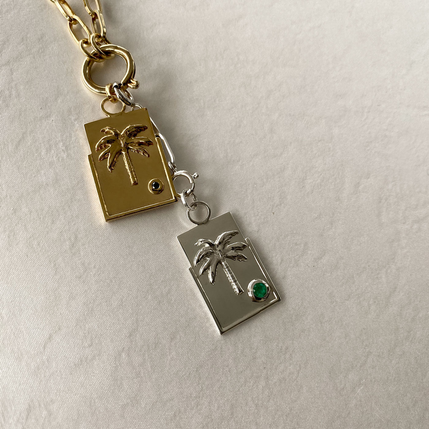 sierra-palm-tree-meallion-charm-silver-emerald-good-energy-colombian-jewelry-designers