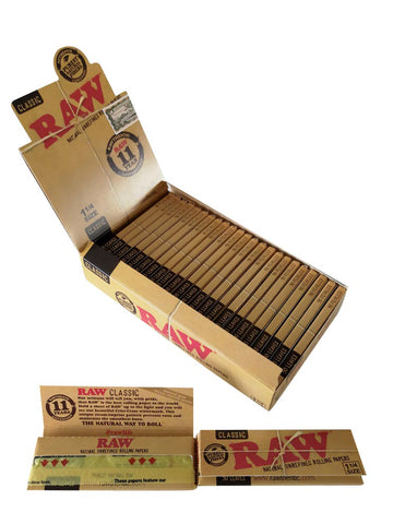Raw Classic Unrefined Rolling Paper Regular Size