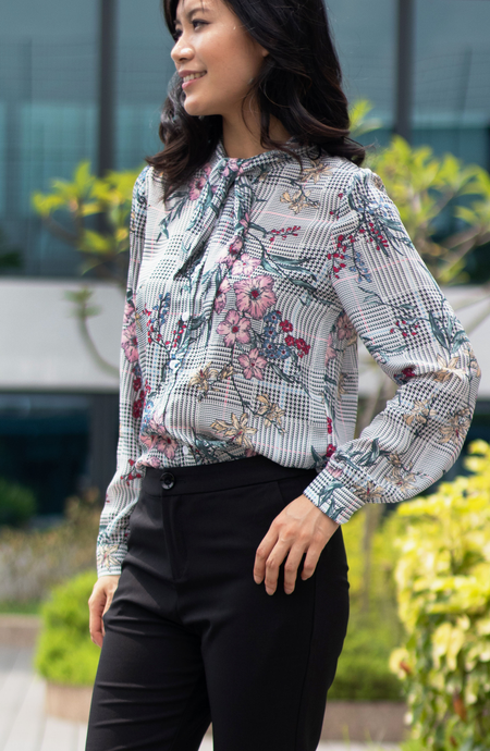 Ditsy Floral Sketch Tie Cuffed Blouse
