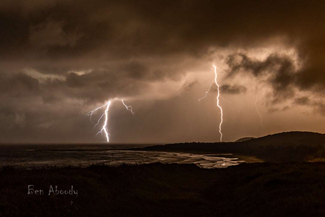The Flat Rock Strike - Ben Aboody Photography