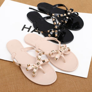 Slippers Women 2019 Fashion Women Sandals Flat Jelly Shoes Bow Flip Flops Stud Beach Shoes Summer Rivets Slippers zapatos mujer