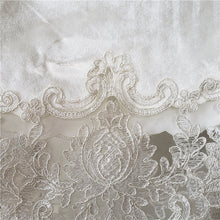 Load image into Gallery viewer, Europe classical embroidered tablecloth table dining table cover table cloth Gold velvet Lace table cloth Party tea tablecloth