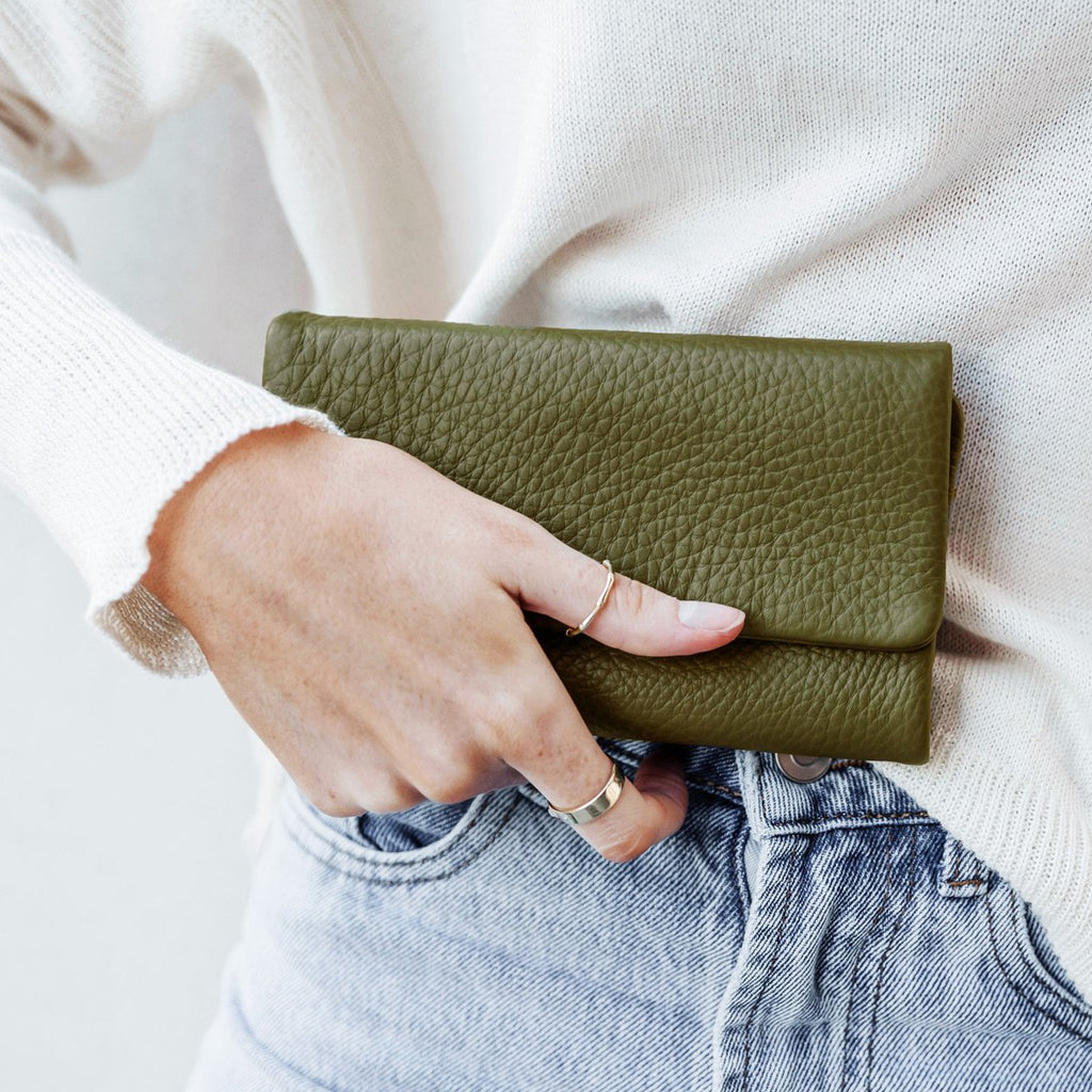 Audrey Wallet in Khaki Pebble