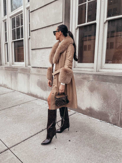 MI LOVES SIGNATURE Luxurious leather trench coat with Fox fur trim/cuffs