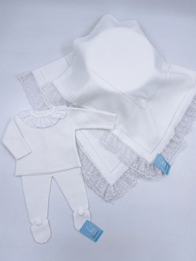Beautiful White knitted baby blanket with lace trim(98cm)