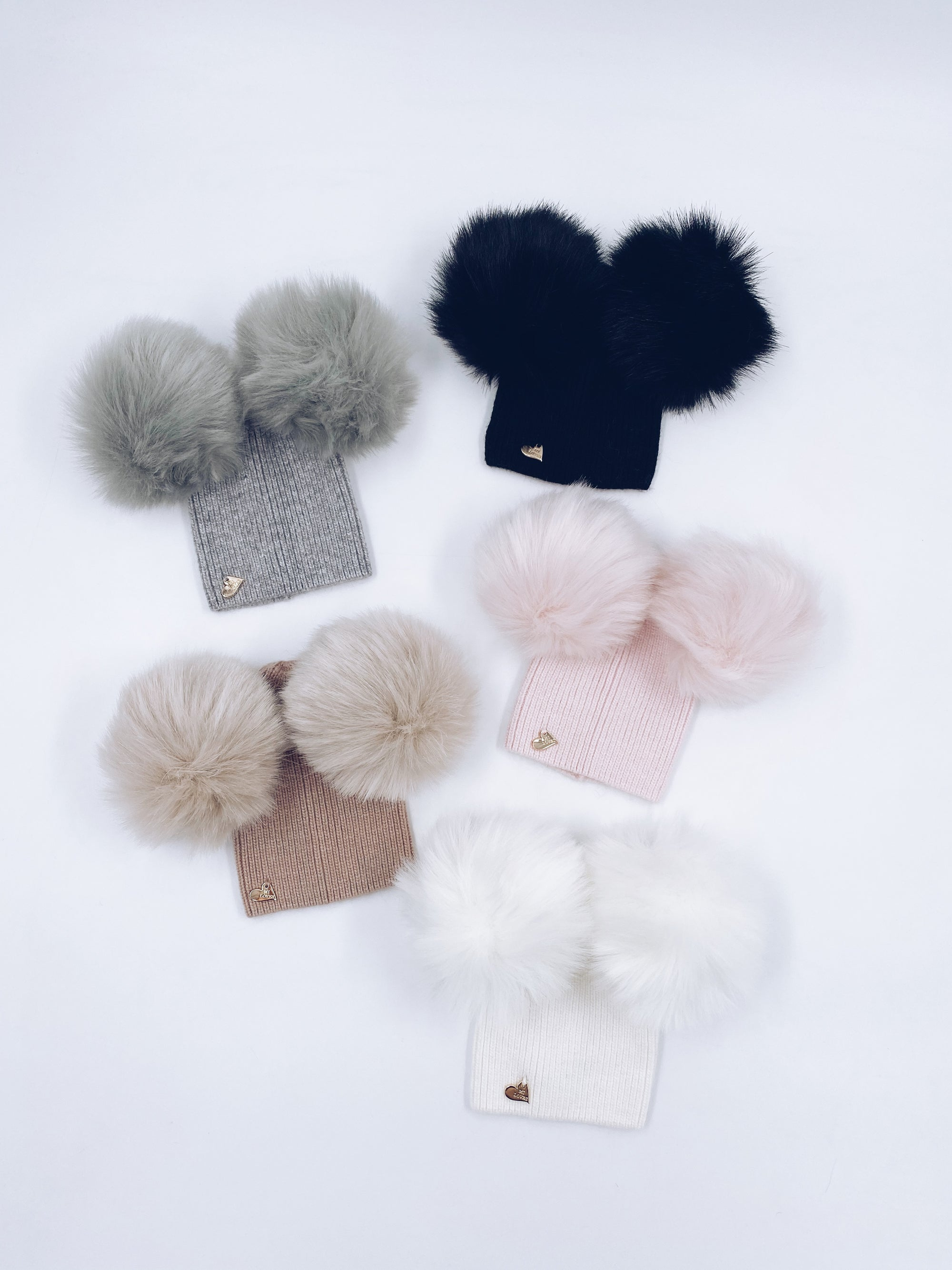 MI LOVES SIGNATURE Angora Kids double pompom hat with Synthetic fur pom-poms.