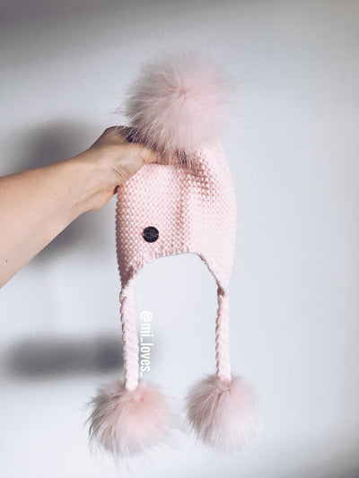 MILOVES Signature 3 pompom hat with tassels