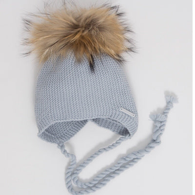 .Knitted Single pompom hat with Racoon fur pompom