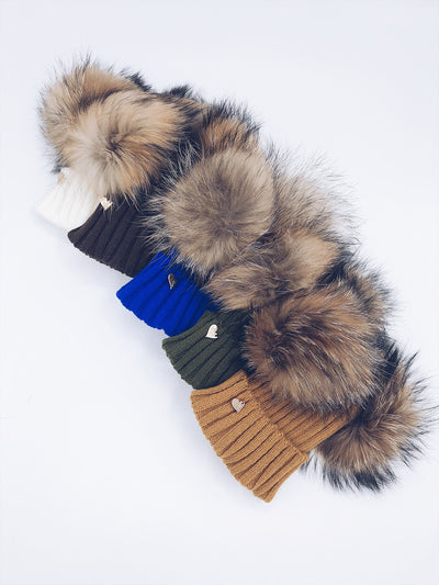 Mi Loves Signature Double pompom hat with brown/Natural pompoms