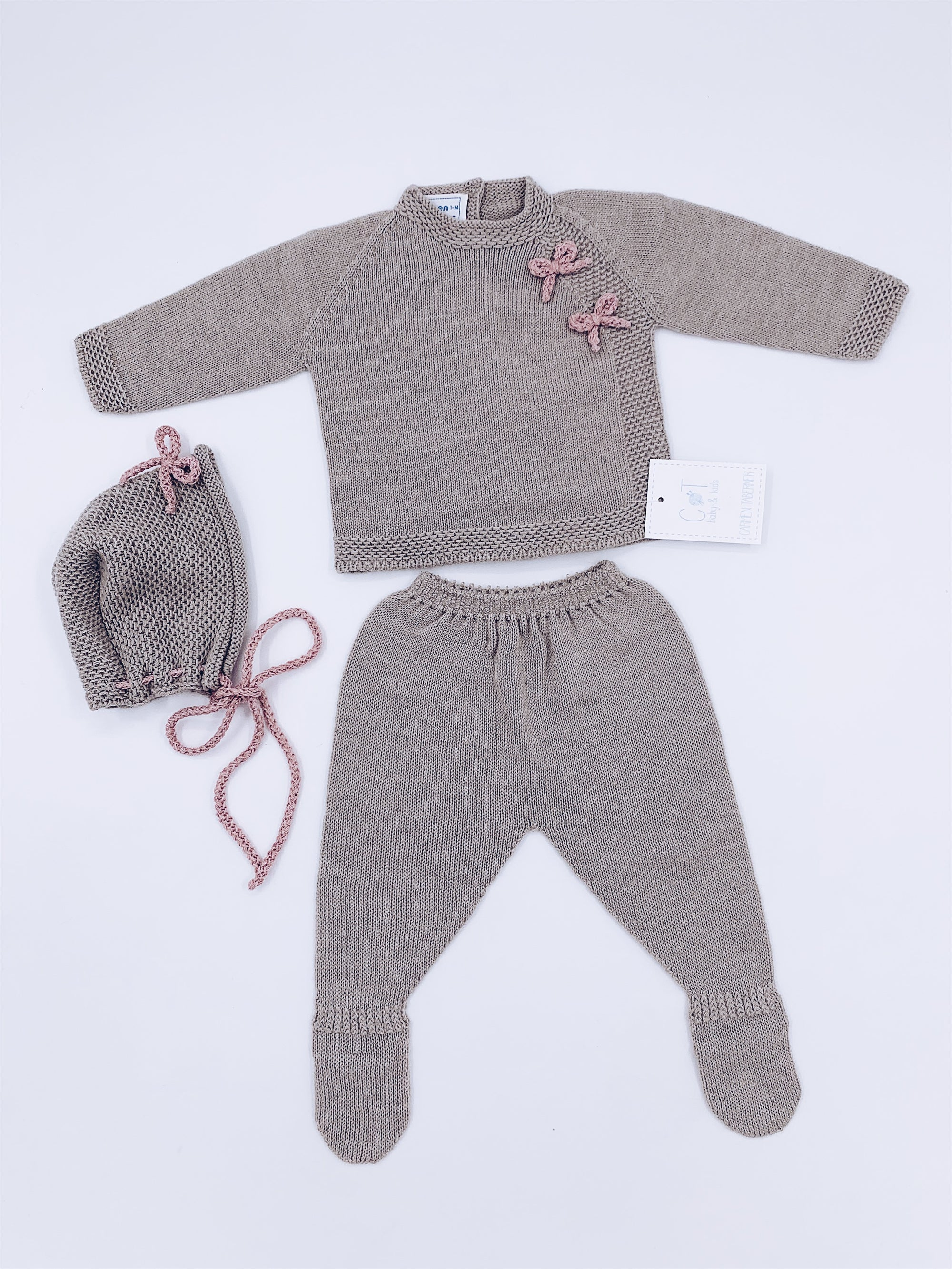 Carmen Taberner Knitted Baby 3 piece set