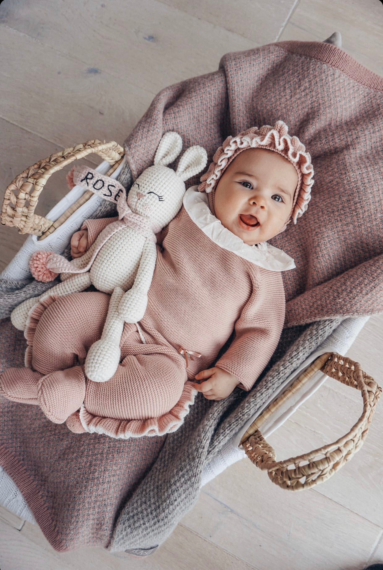 Rochy baby knitted 2 piece sets with ruffle details