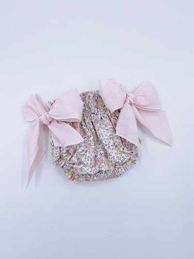 Beautiful bloomers with Bow details