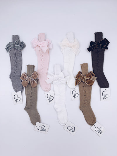 MI LOVES SIGNATURE KNITTED HIGH KNEE SOCKS WITH VELVET BOWS