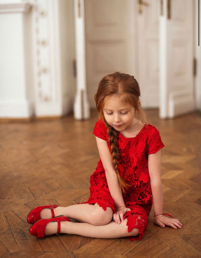 Age of Innocence Ellen Red shoes