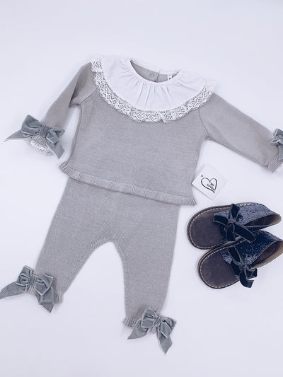 MI LOVES  SIGNATURE LUXURIOUS Knitted suit with velvet bows in Grey .