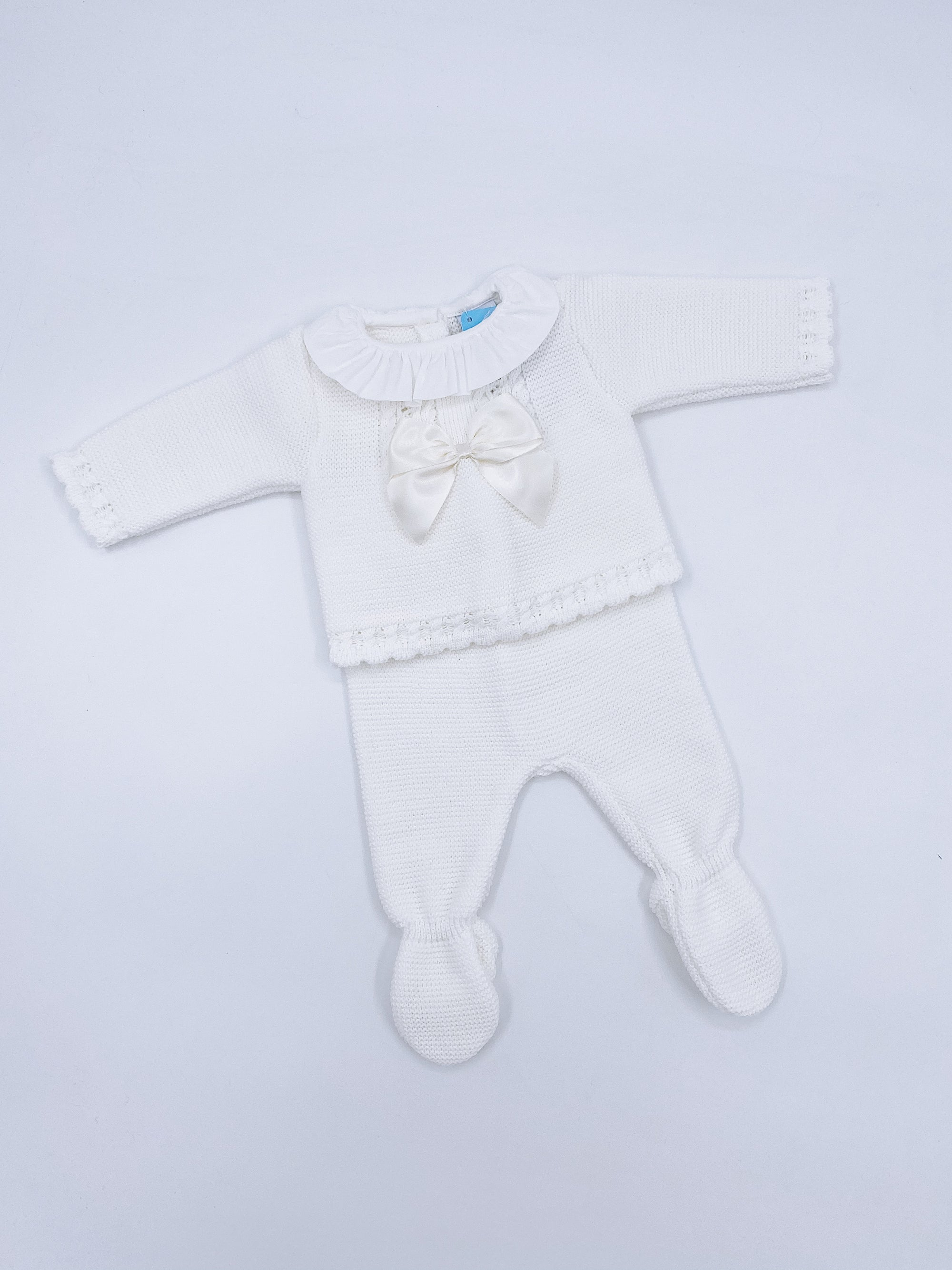 Beautiful Ivory knitted baby set with bow details(N158)