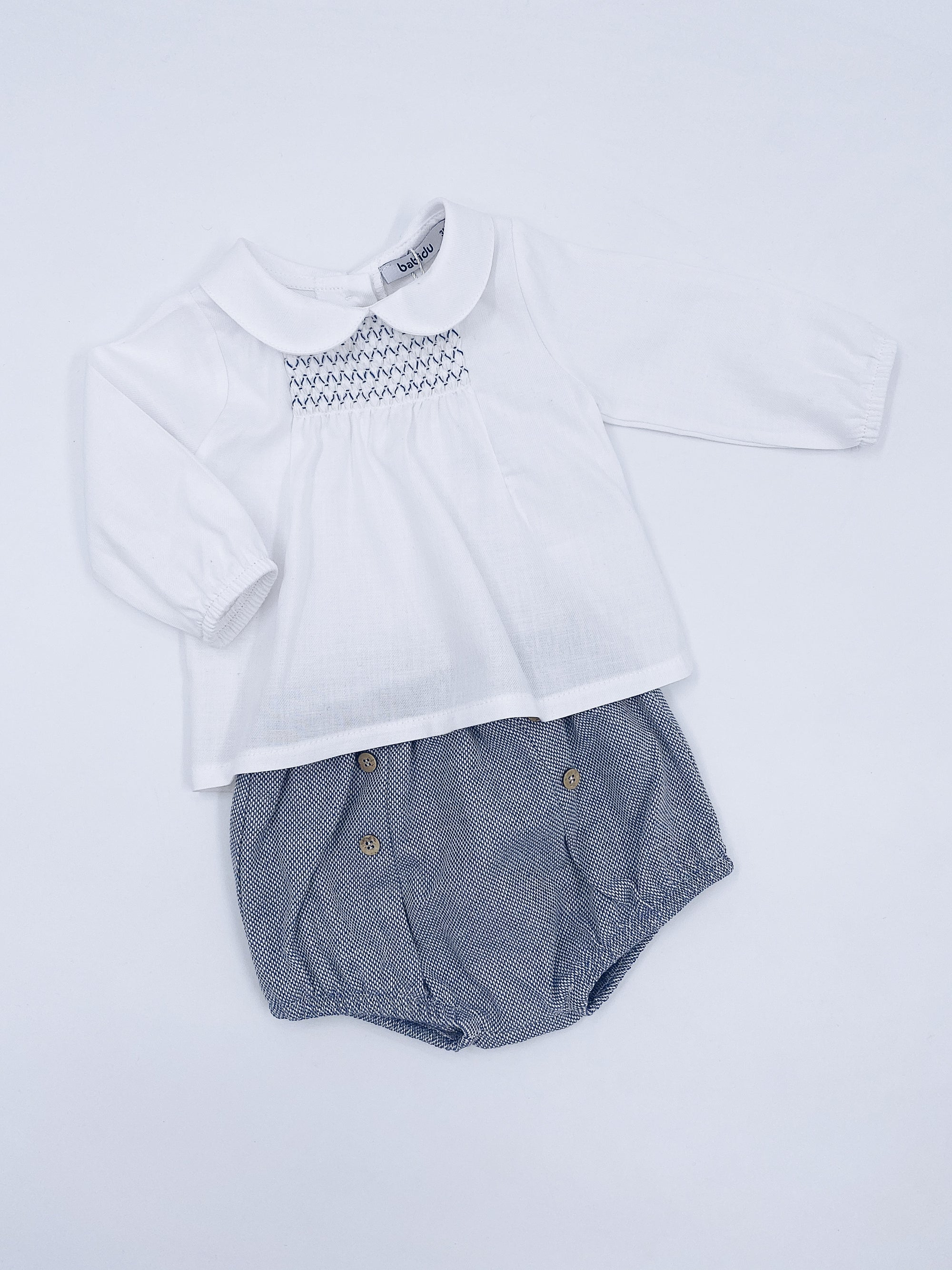 Beautiful unisex white shirt and shorts 2 piece set