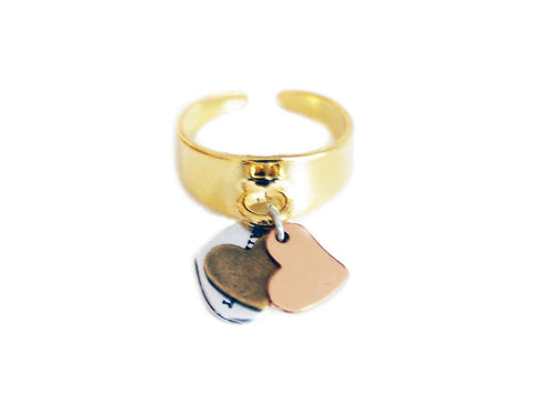 Statement ring in gold with double hearts charms - Maiden-Art