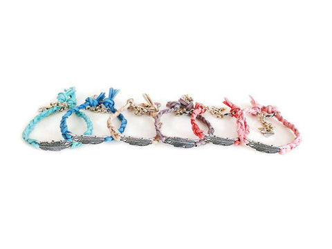 Woven and braided Bracelets with feather and suede leather in 6 colors. - Maiden-Art.com