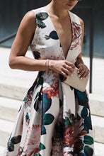 Load image into Gallery viewer, Stylish Floral Print Sleeveless Maxi Dress