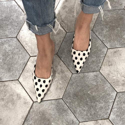 Fashion Dot Pointed Flat Muller Slipper