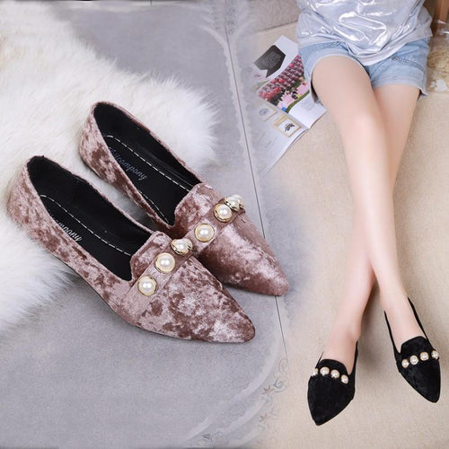 Vintage Pearl Flat Pointed Shoes