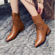 Load image into Gallery viewer, Fashion Leather Plain Blinding Pointed Head Boots