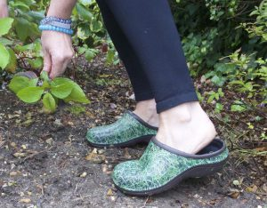 Waterproof Clogs Should Be Part Of Your Gardening Equipment