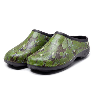 Chunky Tread Green Camo Garden Clogs