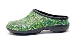 Chunky Tread Grass Garden Clogs