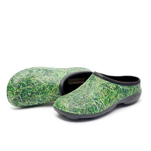 Load image into Gallery viewer, Chunky Tread Grass Garden Clogs