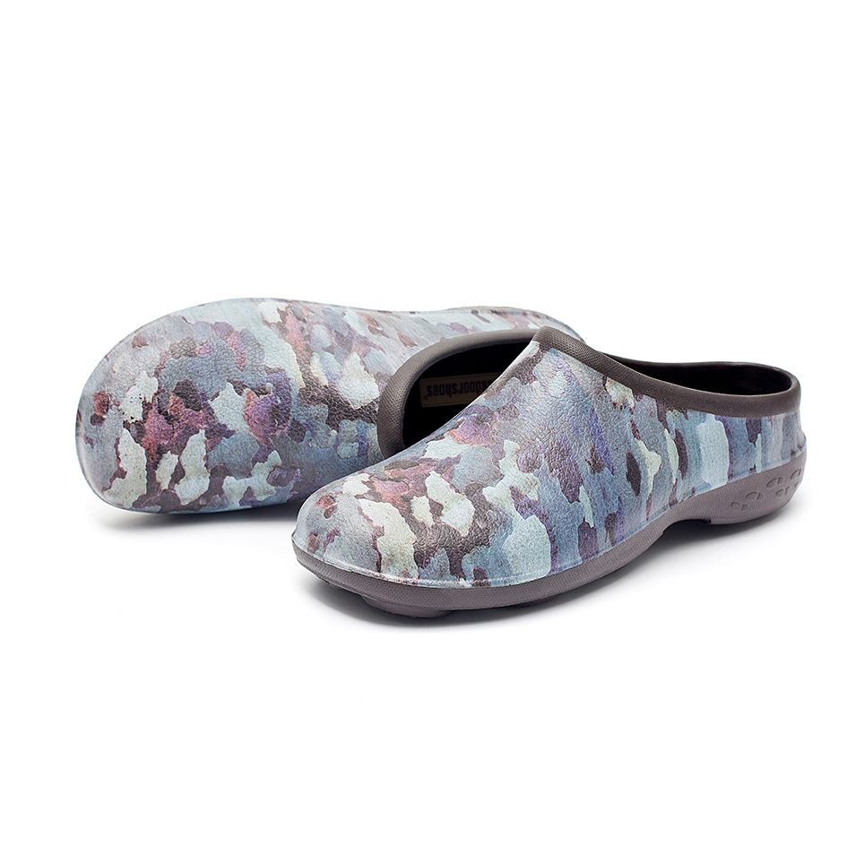 Chunky Tread Tree Camo Garden Clogs