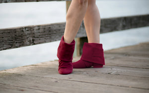 Aurora dance boots burgundy pair folded down, in action