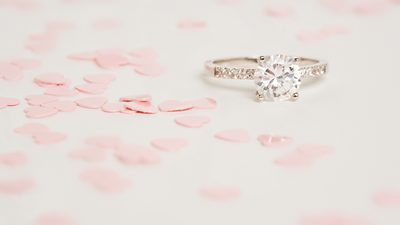 10 Reasons to Propose This Valentine's Day - With a BONUS Inspiration You Can't Miss!