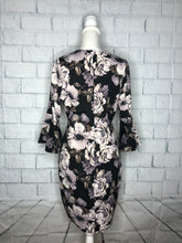 Load image into Gallery viewer, Floral Dress - Extra Curves