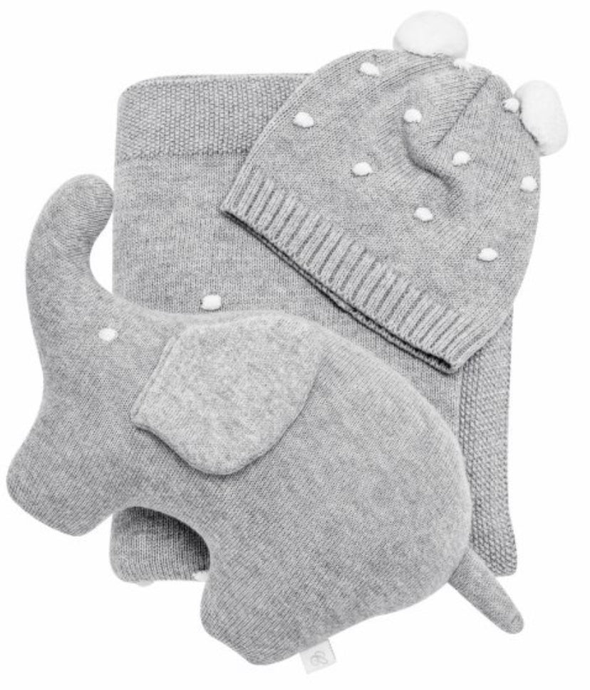 Grey knitted gift set