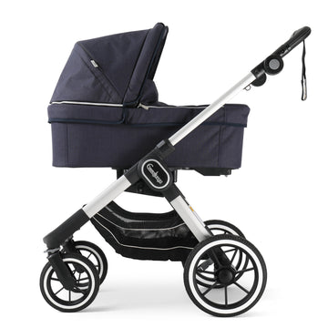 EMMALJUNGA NXT90 Navy with Silver Chassis package