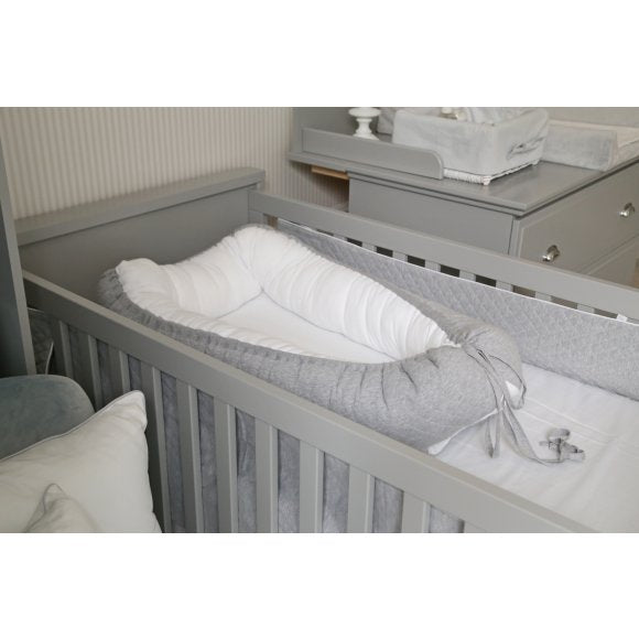 Cambridge Baby Nest-Grey & White