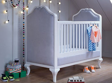 LOLA Cot Bed